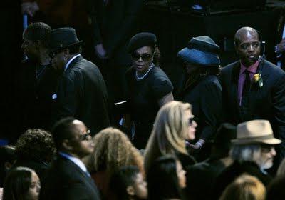 Você vê a loia ali no meio? Dizem por aí que era MJ disfarçado.